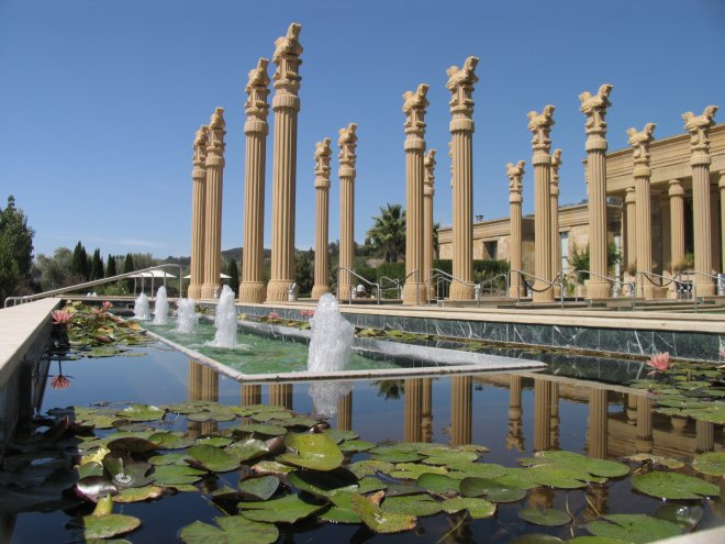 Darioush-Winery-Columns