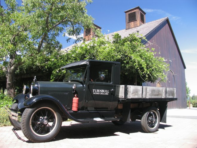 Turnbull-Cellars-Truck