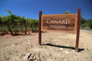 Canard-Vineyard-Sign