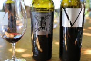 v12-vineyards-vasser-bottle